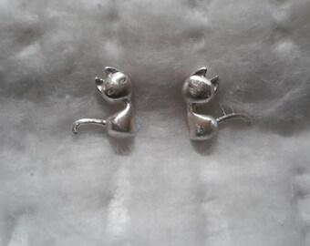 925 sterling silver cat stud earr9ings