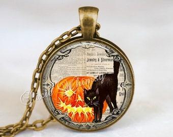 HALLOWEEN Necklace, Halloween Pendant, Black Cat, Pumpkin,  Jack O Lantern, JOL, Pumpkin Pendant, Halloween Keychain, Vintage Halloween