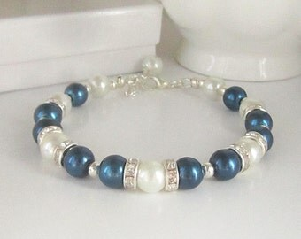 Navy Pearl Bracelet, Navy and Ivory Bridesmaid Jewellery, Dark Blue Wedding Sets, Navy Bridal Bracelet, Bridesmaid Gift Idea, Matching Sets