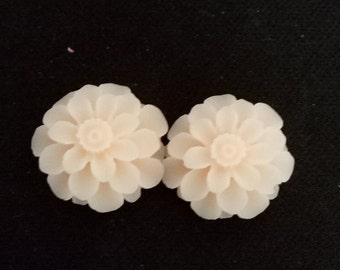 12pcs  of resin chrysanthemum cabochon 18x8mm-Rc0020  baby pink
