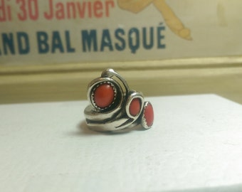 Coral statement ring Size 10