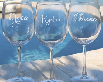 2 Personalized Wine Glasses, Bridesmaid Gift, Wedding Favor, Gifts for Bridesmaids, Will you be my Bridesmaid, Wedding Wine Glass,