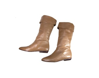Size 7 Tall Fold Over Grey Leather Flat Boots // G450