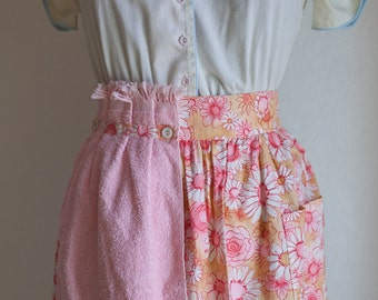 Vintage Half Apron with terry hand towel - Pink and Peach Floral Apron - Vintage Pink Floral - Retro Floral Apron - Pink Half Apron