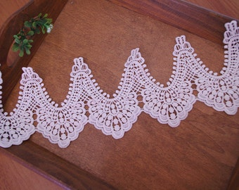 off white crochet lace trim with scallops