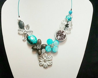 Colourful necklace, Summer necklace, Turquoise necklace, White necklace, Flower necklace, Button jewelry, Fashion necklace, Bib necklace