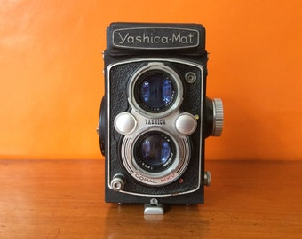 Yashica Mat Vintage TLR film camera 50s Twin Lens Reflect 6 x 6 Crank Advanced Camera