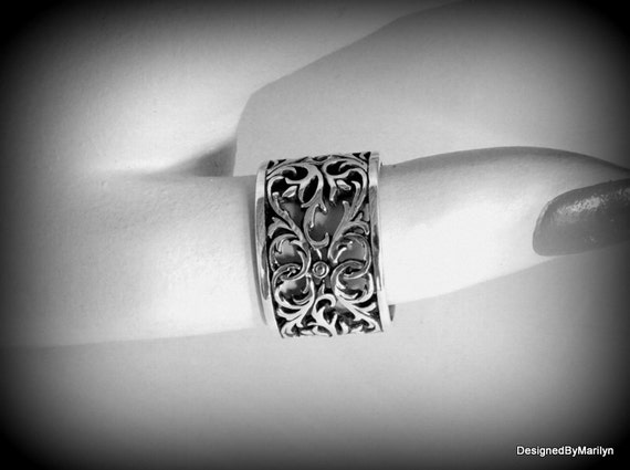 Beautiful filigree ring,  Guinevere ring, fashion jewelry, wedding ring, queens jewelry, sterling silver ring