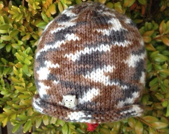 Knitted owl hat - grey and brown hand-knitted hat with owl button