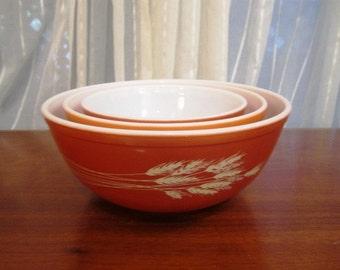 RESERVED Vintage Set, 3 Pyrex Mixing Bowls, Autumn Harvest , Wheat Stalks, Autumn, Wheat Harvest, Summer Grain, ca Late 1970s