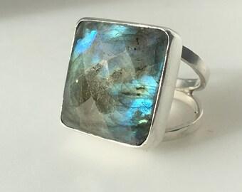 Artisan Sterling Silver Labradorite Ring
