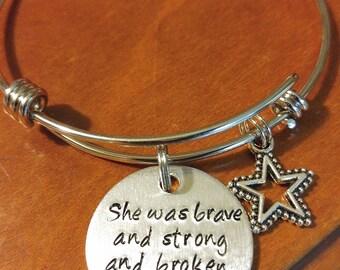 Expandable quote bracelet
