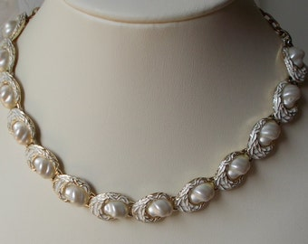 White Baroque Faux Pearl, Enamel and Gold Finish Choker Necklace  1218