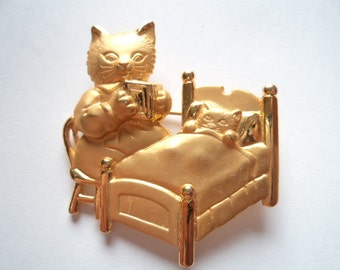 Vintage Signed JJ Gold/Matt pewter Mother Cat Reading Bedtime Story to Kitten Brooch/Pin