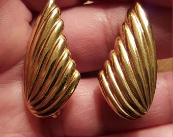 Vintage Signed Napier Goldtone Clip On Earrings