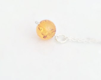 Amber Necklace, Silver Amber Necklace, Amber Jewelry, Amber Pendant, Silver Jewelry, Gift for Her, Everday Jewelry,UK Shop, Christmas Gifts