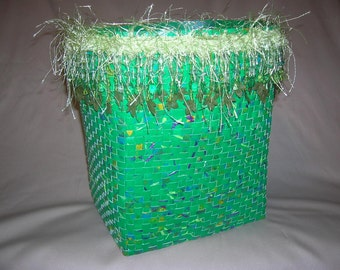 Baskets, paper baskets, woven baskets, woven, green basket, fringe baskets,