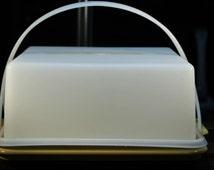 Vintage 10 inch Harvest Gold Tupperware Square Pie/Cake Taker Carrier # 1241-8