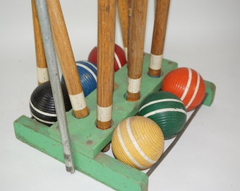 CROQUET Set, 6 Player Vintage Wooden Croquet Set. Striped Mallets, Wickets and Balls - 1 mallet handle is damaged, Free Ship