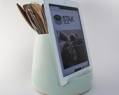 STAK Ceramics Kitchen Tablet Dock, Mint Green