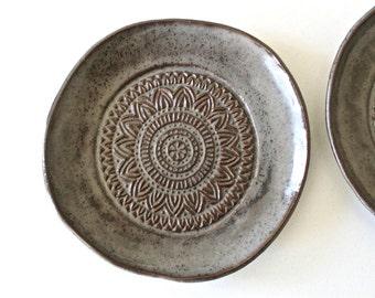Set of 2 Dessert Plates in Dark Grey - Handmade Ceramic Plates Set of 2 - Stoneware Dessert plates -Organic Shape Small Plates in Grey/Brown
