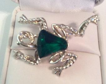 Tree frog brooch 1-1/4 in