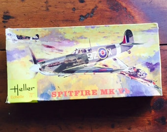 Collectible Model Kit Airplane Heller Spitfire MK Vb - 1/72 Scale