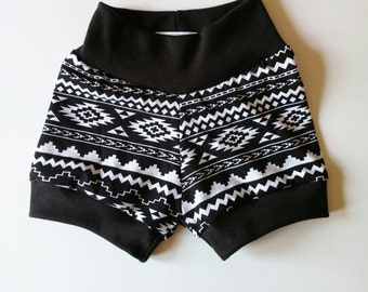Mono Tribal shorties