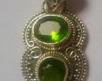 hand made semi precious green parrot quartz sterling silver pendant necklace