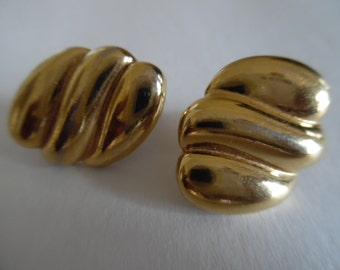 Vintage 1980s Triple Bar Shiny Golden Combination Clip/Screw On Earrings by Napier