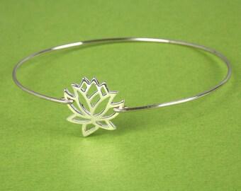 Lotus charm bangle,Lucky lotus charm bangle,Yoga lotus bangle,Mother's gift,Mom bangle,birthday,Best friends gift,Nana gift,Grandma
