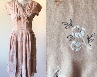 dusty pink vintage dress // prink floral dress // vintage sequin dress