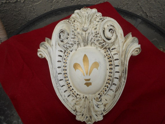Fleur De Lys Medallion Wall Plaque Vintage Baroque Scrolled