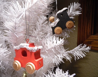 Christmas Ornament, Wooden Train Christmas Tree Ornament, Caboose Ornament, Christmas Gift, Ornament