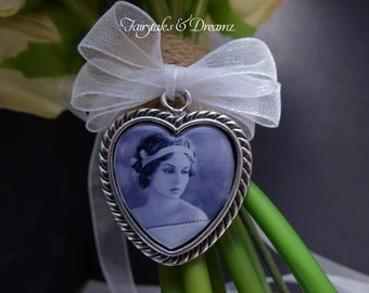 Heart Frame with BOW, Bridal Bouquet Photo Charm, Memorial Charm, Wedding Bouquet Charms, 25mm Photo