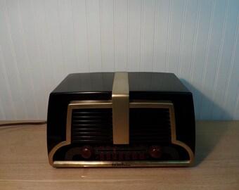 Vintage 1940's Truetone Radio Repurposed /Bluetooth Speaker/Mp3/FM
