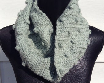 100% Wool Crochet Seafoam Green Popcorn Mobious Cowl