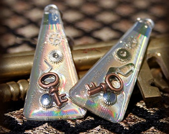 Recycled CD earrings with a steampunky flair!