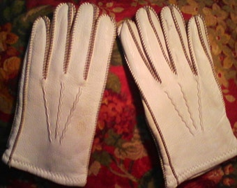 Vtg. Leather Lined Off White Gloves Size L. Sold As Is