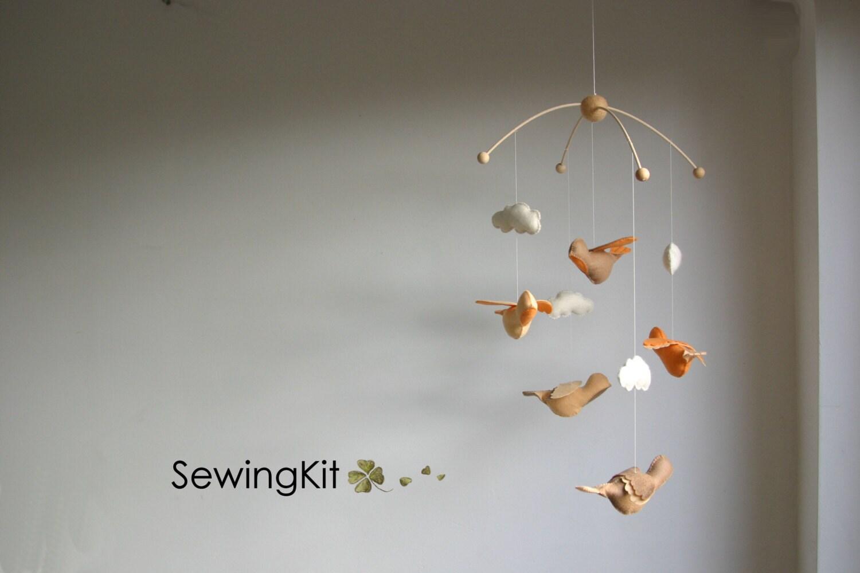 bird mobile natural baby mobile diy flying bird woolfelt. Black Bedroom Furniture Sets. Home Design Ideas