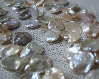 13-15mm Natural Color Cornflake Pearl PL88