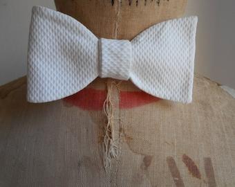 Original Edwardian 1920s White Waffle Single Bow Tie - Downton Gatsby Wedding