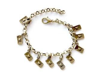 Post scriptum bracelet