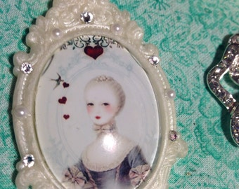 Marie Antoinette- Parisian Pearl Queen of Hearts