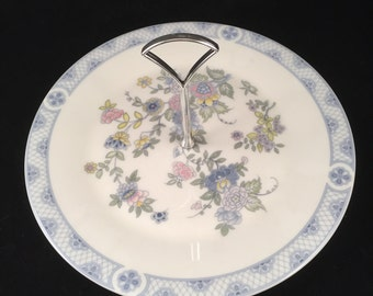 Doulton & Co. Limited 1973 Serving/Transfer Plate with Handle Fine Bone China England