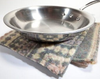 Custom EcoWool Pot Holders - Unique Kitchen Accessory from Felted Wool