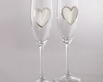 Personalized Heart Toasting Flutes - Celebrating Toasting Glasses