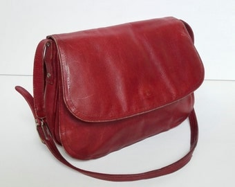 SALE Vintage Boho Red Burgundy Leather Saddle Messenger Bag Purse Shoulder Large 60s 70s