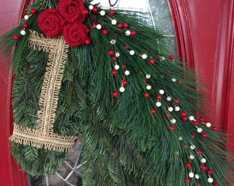 Red Berry Mane Horse Wreath