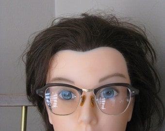 1950s Womens Prescription /RX Cateye Glasses/ Eyewear/ Brown/Gold Rim Eyeglasses/Eyecase